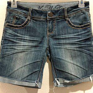 Blue jean shorts, cute stitching, big pockets!